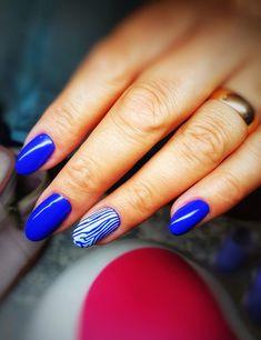 Blue nails design by Cristina Pitea - GETT'S Color Bar Salon Plaza România Drumul Taberei Militari Programari: 021 311 1221 #gettssalons #nails #nailsart #nailsdesign #nailsoftheday #ibd Nailed It, Blue Nail Designs, Blue Nails, Nails Design, Nails Inspiration, Nail Art, Bar, Beauty, Color