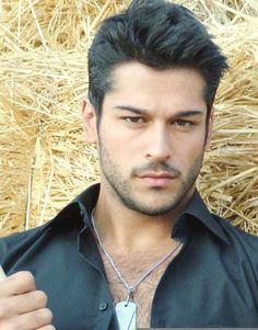 Burak Özcivit Turkish Men, Turkish Beauty, Turkish Actors, Scruffy Men, Hairy Men, Beautiful Men Faces, Gorgeous Men, Burak Ozcivit, Arab Men