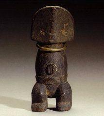Objets Zande / Azande, statue / statuette / figurine Art Ancien, Geometric Sculpture, Totem Poles, African Art, Spoons, Statues, Mascaras, Objects, Figurine