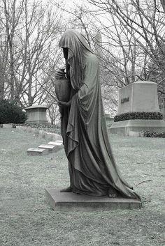 Tabletop Statues #PirateStatuesUsed  #•STATUES• Arte, Murales, Morte, Immagini, Cimiteri, Statue Del Cimitero, Scultura Arte, Teschi Dipinti, Angeli