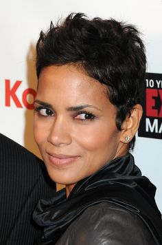 Halle Berry short pixie haircut for black hair Black Women Short Hairstyles, Cute Hairstyles For Short Hair, Hairstyles Haircuts, Short Hair Cuts, Pixie Cuts, Ethnic Hairstyles, American Hairstyles, Short Haircut Styles, Short Pixie Haircuts