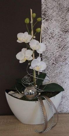 Previous Next Orchideengesteck, Gesteck in weiß in Möbel & Wohnen, Dekoration, Sonstige Deco Floral, Arte Floral, Ikebana, Tall Indoor Plants, Orchid Arrangements, Flower Arrangement, Bowl Designs, Christmas Decorations, Table Decorations