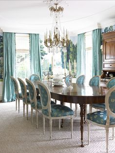 Ocean colors prove their versatility by looking great with traditional furniture as well as modern pieces.