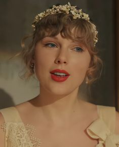 Taylor Swift Songs, Taylor Swift New, Taylor Swift Pictures, Taylor Swift Wallpaper, Her Smile, Queens, Celebs, Female Celebrities, Beauty