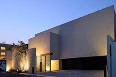設計 田頭健司 オリーブの木と水庭の家 | 施工 アーキッシュギャラリー