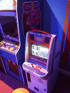 29 best arcade machine restorations repairs images arcade rh pinterest com