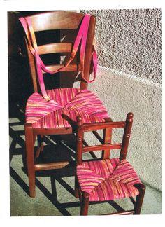 Bilderesultat for rempaillage chaise Furniture Repair, Furniture Makeover, Diy Furniture, Chaise Diy, Lounge Chair Cushions, Wooden Adirondack Chairs, Outdoor Chairs, Outdoor Lounge, Macrame Chairs