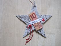 Cash gift star, Christmas gift, A star made of birch bark has been lovingly decorated with the words Merry Christmas. A banknote can be placed under this Christmas greeting, which was stamped by Christmas Bows, Christmas Crafts, Xmas, Christmas Ornaments, Present Christmas, Don D'argent, Stampin Up, Theme Noel, Diy Birthday