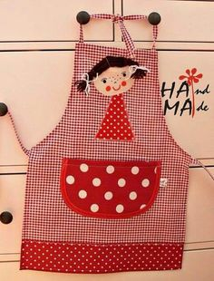 apron for girls Sewing Class, Love Sewing, Sewing For Kids, Couture Bb, Childrens Aprons, Cute Aprons, Sewing Aprons, Apron Designs, Creation Couture