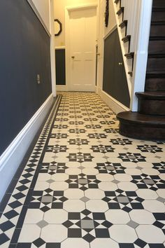 London mosaic hallway tiles in this traditional format in the hallway. We love the combination of colour. Tiles are made by hand in a sheet format which makes them easy to lay. Victorian Hallway Tiles, Edwardian Hallway, Tiled Hallway, Entrance Hall Decor, House Entrance, Hall Tiles, Victorian House Interiors, Victorian Design, Narrow Hallway Decorating