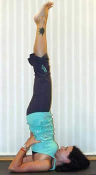 Benefits of Shoulder Stand-Done properly and consistently, it has a wide range of benefits, including: Helps with lymph drainage  Gets the thyroid gland functioning more efficiently--the thyroid is the gland responsible for managing your metabolism. Promotes good circulation to brain. Provides a great stretch for the neck and upper back.