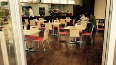 SUGAR HILL CAFE (つつじが岡公園 元温室) 群馬県館林市花山町3128 営業時間は今のところ11時〜19時だそうです