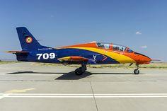 IAR-99 Soim - Romanian Air Force. Copyright Alex Trandafir. Top Gun, Eastern Europe, Military Aircraft, Ww2, Air Force, Fighter Jets, Cool Pictures, Airplanes, Guns