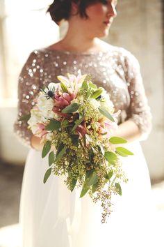 modern cascading bouquet with sparkle - photo by Carrie Friesen #weddingbouquet #bouquets #flowers