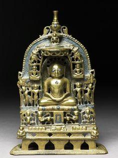 1470. Shrine of the Jain Tirthankara - Kuntunathan in seated pose. Rajasthan, India.