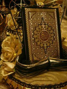 Bismillah: İnsan hiçbir söz söylemez ki onun yanında (yaptıklarını) gözetleyen (ve kaydeden) hazır bir melek bulunmasın. (Kâf:18)