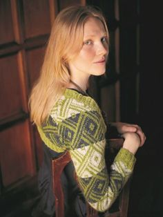 Knitting pattern for a gorgeous little long sleeved bolero in an all-over diamond motif colour-work on a background. See our great prices and fast service. Rowan Felted Tweed, Arne And Carlos, Knitting Patterns, Crochet Patterns, Bolero Pattern, New Nordic, Office Prints, Wide Stripes, Circular Knitting Needles