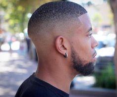 Cheveux Homme, Coupe Cheveux Afro Homme, Dégradé Cheveux Court, Coiffure  Cheveux Crépus Courts