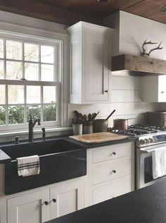 Beautiful Farmhouse Kitchen Makeover Inspirations On A Budget /. Beautiful Farmhouse Kitchen Makeover Inspirations On A Budget /. house 15 Coastal Kitchen Makeover the reveal - hariankoran 36 shabby chic farmhouse kitchen cabinets makeover ideas 3 Rustic Kitchen Sinks, Black Farmhouse Sink, Kitchen Sink Decor, Kitchen Sink Design, Farmhouse Kitchen Cabinets, Modern Farmhouse Kitchens, New Kitchen, Home Kitchens, Kitchen Ideas