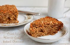 Crock Pot Carrot Cake Baked Oatmeal is a light, healthy, low fat & deliciously satisfying breakfast - 243 calories, 7 Weight Watchers Freestyle SmartPoints! Ww Recipes, Slow Cooker Recipes, Crockpot Recipes, Healthy Recipes, Amish Recipes, Dutch Recipes, Healthy Habits, Drink Recipes, Oatmeal Applesauce Cookies