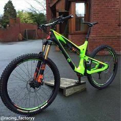 Custom Scott Genius Lt700 From @alexevans710 #downhill #mtb #bikeporn #scott #scottgenius #scottgambler #foxsuspension #ridefox #fox36 #sram