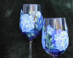 Hand Painted Wine Glasses - Blue Hydrangea on Cobalt Blue Glass (Set of Decorated Wine Glasses, Hand Painted Wine Glasses, Blue Hydrangea Wedding, Colored Wine Glasses, Large Wine Glass, Tableware, Cobalt Blue, Violets, Tuscan Decor