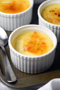 This Slow Cooker Creme Brûlée is everyone's favorite rich and creamy dessert, but made in the crock pot instead of the oven! This Slow Cooker Creme Brûlée is everyone's favorite rich and creamy dessert, but made in the crock pot instead of the oven! Slow Cooker Desserts, Crock Pot Desserts, Slow Cooker Recipes, Crockpot Recipes, Cooking Recipes, Crock Pots, Vegan Recipes, Menu Desserts, Just Desserts