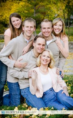 128 Best Fall Family Photo Ideas Clothing Images On Pinterest Portraits Posing And Pics