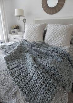 Pre Holiday Sale Chunky wool throw blanket wool by ptdesignsshop
