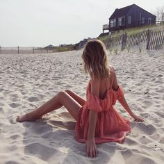 """Jessica Stein on Instagram: """"Late afternoon light in @thejetsetdiaries from @revolveclothing #REVOLVEinthehamptons"""""""