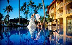 Majestic Elegance   Punta Cana, Republique Dominicaine  Situé à côté du Majestic Colonial cet hôtel est le second de la chaîne à s'implanter dans les Caraïbes. L'hôtel a été conçu pour répondre à la demande des clients qui exigent une haute qualité de services, de menus et d'installations.