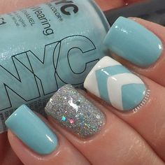 Tuesday Tips: Freeze Your Fingers With Icy Blue Nails- love this mani!