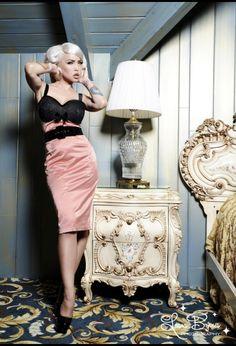 Courtesan Wiggle Dress in Mauve Rose - Pinup Girl Clothing