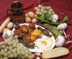 """Ante un buen plato de migas... ¿quién se resiste? / A delicious plate of """"migas""""... who can resist?"""