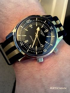 Longines Legend Diver. pretty much the most gorgeous super compressor dive watch ever Modern Watches, Stylish Watches, Vintage Watches, Cool Watches, Watches For Men, Watch Room, Dream Watches, Luxury Watches, Watch Case