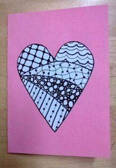 """""""Meidän tekemissä zentangle-töissä oli ideana, että ensin oli jokin muoto, joka jaettiin alueiksi. Alueet täytetiin piirtämällä erilaisia kuvioita mustalla tussilla."""" Mood Wallpaper, Fathers Day Cards, Zentangle, Valentines Day, Arts And Crafts, Doodles, Presents, Doodle Ideas, Murals"""