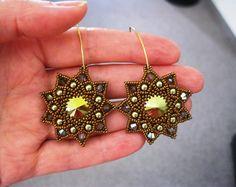 Vintage Ohrhänger Iridescent Green Bronze & Gold  von Natali Perla auf DaWanda.com