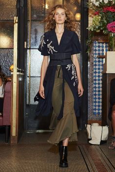 Cinq à Sept Spring 2017 Ready-to-Wear Fashion Show, black and olive green dress with kimono influences