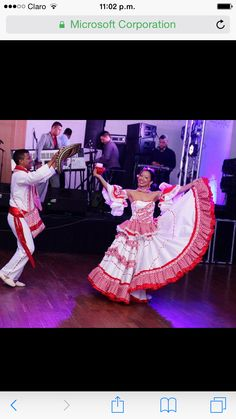 Cumbia Colombiana Kinds Of Dance, Gypsy Skirt, Central America, Traditional Dresses, Sewing Hacks, Dress Skirt, Singer, Costumes, Concert