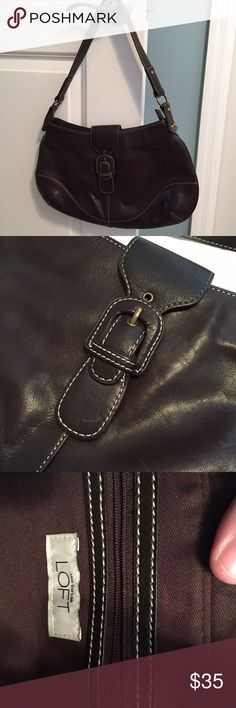 🌺Spring Sale🌺Ann Taylor Leather Shoulder Bag Dark Brown - 3 pockets on the inside - excellent condition Ann Taylor Bags Shoulder Bags
