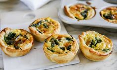 Small pies on puff pastry Best Brunch Recipes, Tapas Recipes, Party Sandwiches, Scandinavian Food, Juicy Fruit, Swedish Recipes, Food Goals, Dessert For Dinner, Food For A Crowd