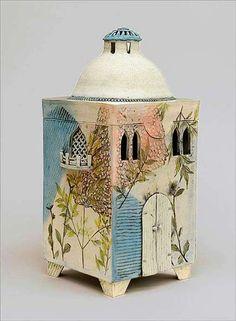 catherine-brennon-ceramic-lidded-box