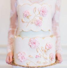 Gorgeous & enchanting wedding cake