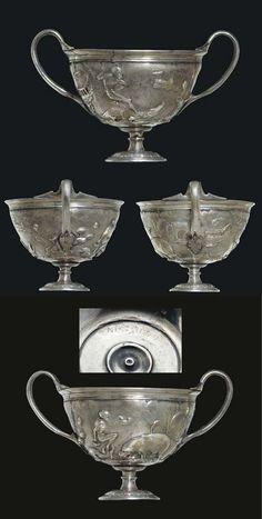 A ROMAN PARCEL GILT SILVER SKYPHOS -  CIRCA LATE 1ST CENTURY B.C.-EARLY 1ST CENTURY A.D.