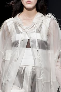 White outfit with sheer layers, mixed materials & textures; urban fashion details // Ter et Bantine Fall 2015 Futuristic Outfits, Dollar Dollar, Haute Couture Designers, Fashion Details, Fashion Design, White Outfits, Fall 2015, Air, Urban Fashion