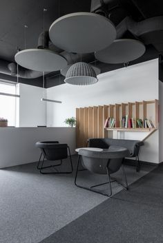 Inners and studio hex have collaborated to design the offices for Admind Branding & Communications located Krakow, Poland. A key element in the design Gym Interior, Office Interior Design, Office Interiors, Office Designs, Cool Office Space, Small Workspace, Office Art, Office Plan, Office Ideas