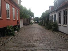 Møllestien in the centre of Aarhus, DK. Cultural heritage- buildings, pavement, scale Photo: Louise M. Bregenov