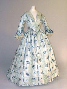Pre-Civil War Era Day Dress - ca 1853-54 - Silk