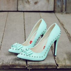 I had to have these! so I bought them!!! Cannot wait to break them in. Mint & Studs Heels, Sweet Studded Heels from Spool 72   Spool No.72!!