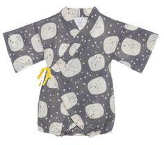 Das Stoffmotiv erinnert an die schöne Sternennacht. Baby Kimono, Love Hug, Donate To Charity, Fashion Brands, Baby Kids, Kids Fashion, Cotton Fabric, Men Casual, Comfy